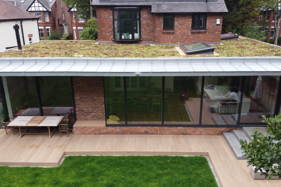 Manchester installation Sempergreen green roofs UK (3)